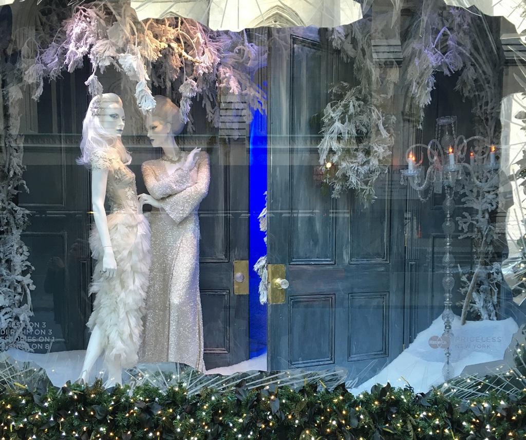 Holiday Window Wizards